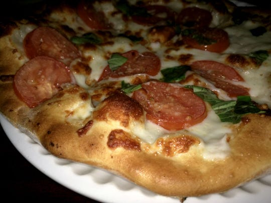 VB American Bar & Grill's margherita pizza has a crispy