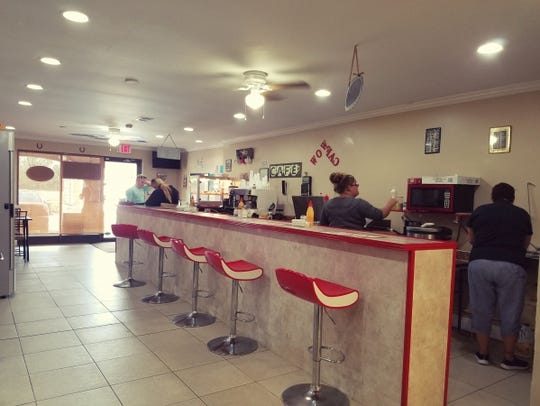 Wow Cuban Cafe, in the Fairway Plaza on U.S. 1 in Hobe