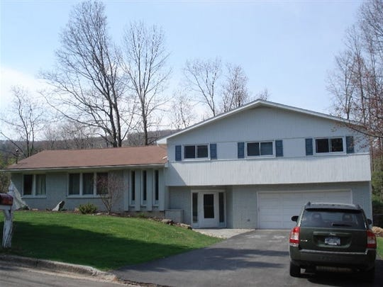 424 Robin Ln., Vestal, was sold for $200,224 on Dec.