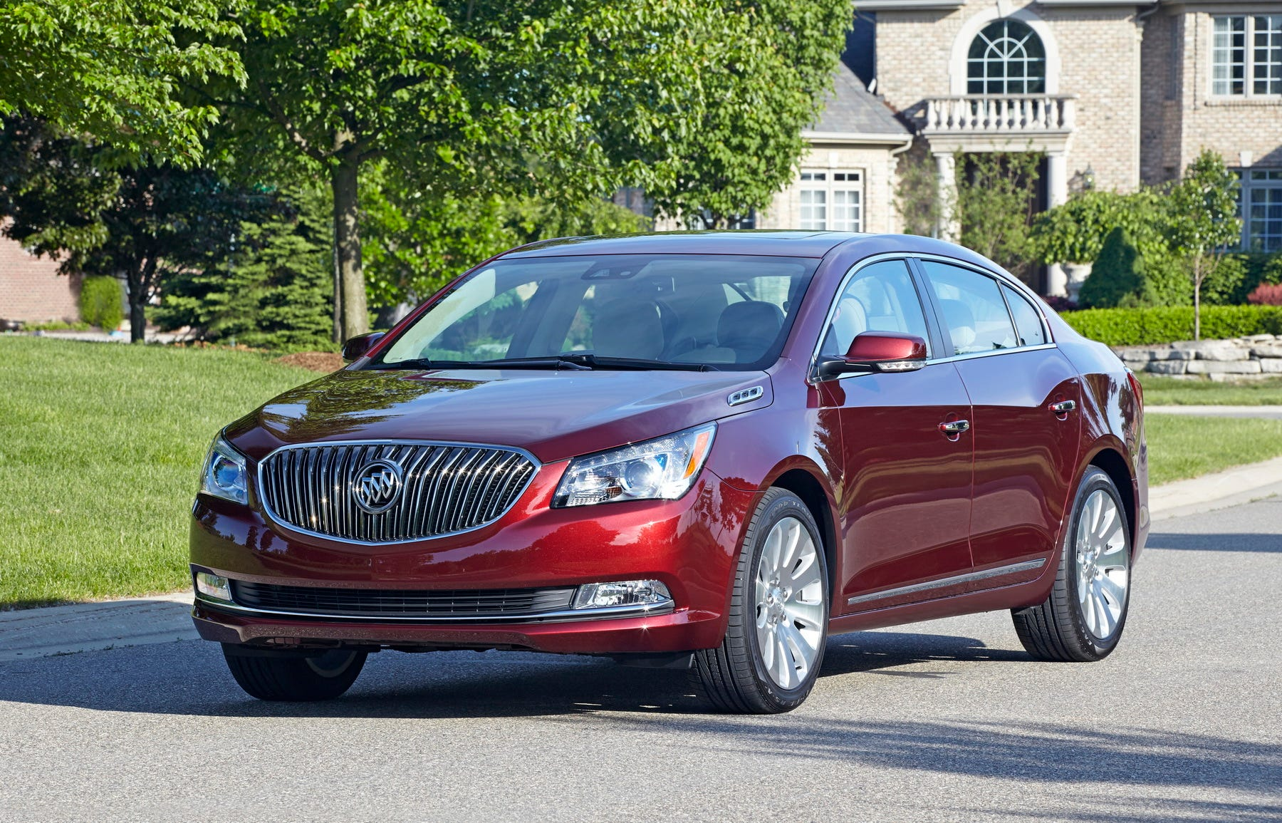 Buick LaCrosse: Parking on Hills