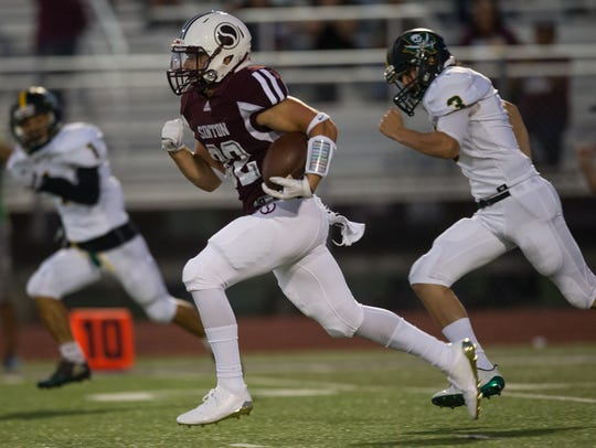 Sinton's Tristan Canales runs a 98 yard touchdown during