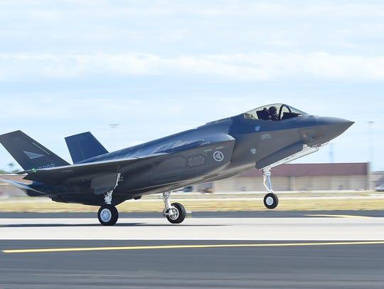 A Norwegian F-35 Lightning II lands at Luke Air Force