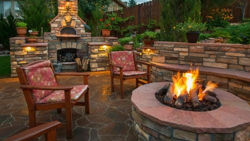 Many single-family custom and production homes include intimate outdoor gathering spaces, complete with outdoor fireplaces or fire pits and cozy seating.
