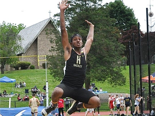 Hackley's Amin Mustefa en route to a fifth-place finish