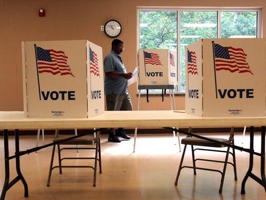 DFP 0807 voting phot 1 1 C74QQNU8 L268037860