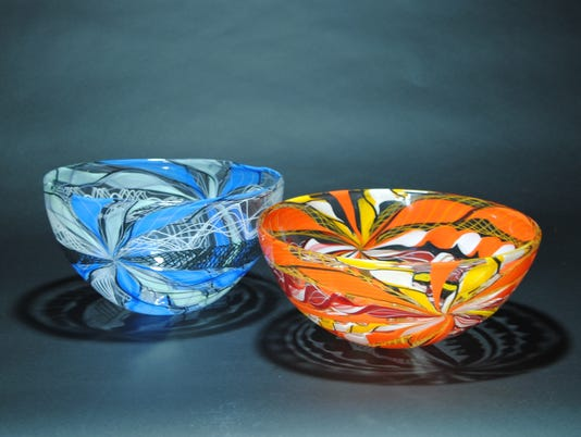 636639850378101715-Gabriel-and-Terry-Bloodworth---Blown-Glass---Springfield-Hot-Glass---Axis-Bowls.JPG