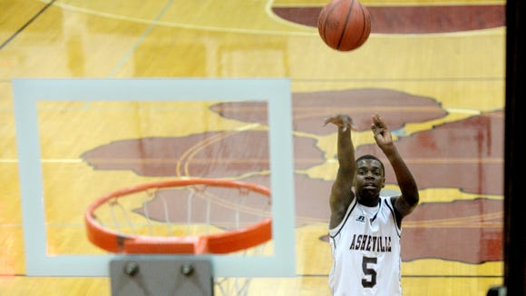 Recent Asheville High graduate Jalaan McPhail has committed to play college basketball for Montreat.