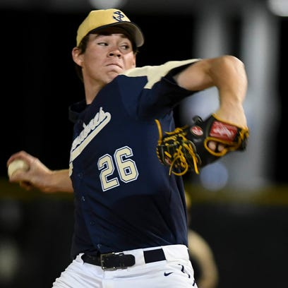 Carter Stewart pitches for Eau Gallie during a game