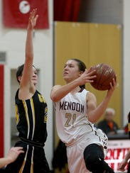 Alana Fursman, a junior forward, led Pittsford Mendon with 17 points in a season-opening win over Williamsville South.