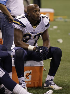 Former Chargers safety Paul Oliver during a game against the Indianapolis Colts in November 2010.