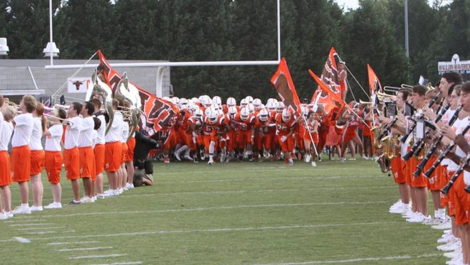 Mauldin hosts Woodmont in a  Labor Day game.