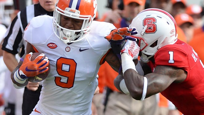 Wayne Gallman (9) looks for running room against N.C. State on Oct. 31.
