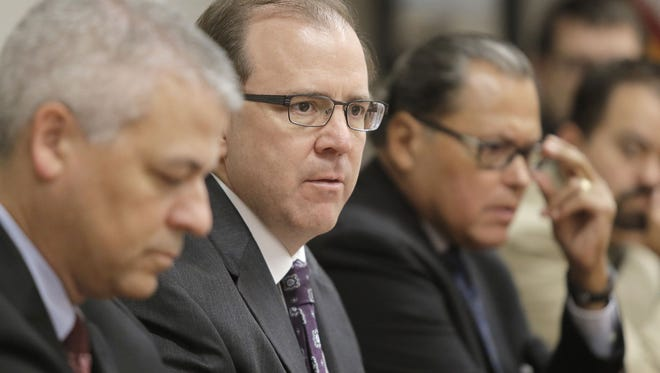 Texas Health and Human Services Commissioner Chris Traylor talks to leaders in the El Paso medical community during a meeting Thursday at the Greater El Paso Chamber of Commerce in October.