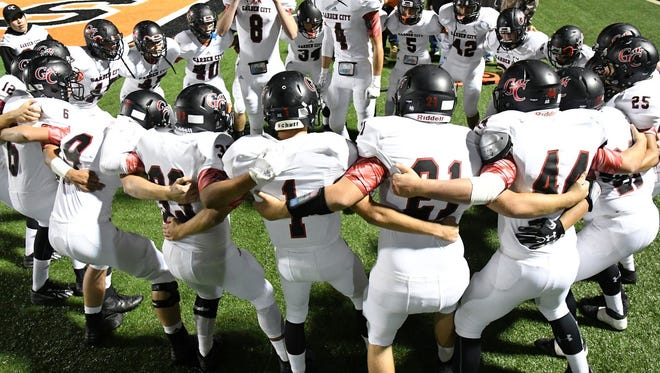 The Garden City Bearkats are up to No. 2 in the state in this week's sixmanfootball.com Division I rankings.