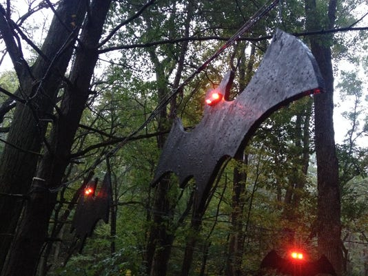 635816415729501060-RCH-1029-Witch-in-the-Woods-bats