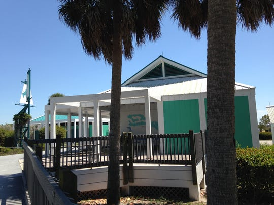 Vacant Bowditch Point snack bar, before the vending