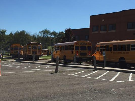 636114310974054555-buses.JPG