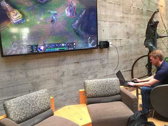 Lebanon Valley College student and esports athlete