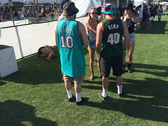 These two NBA jersey-wearing Coachella fans get high marks for creativity, each sporting the gear of a now-defunct franchise.