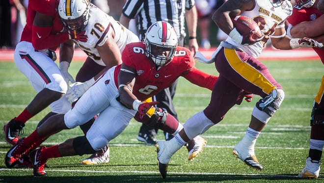 Ball State's Jaylin Thomas, shown here defending the run against Central Michigan in 2017, had a big scrimmage Thursday.