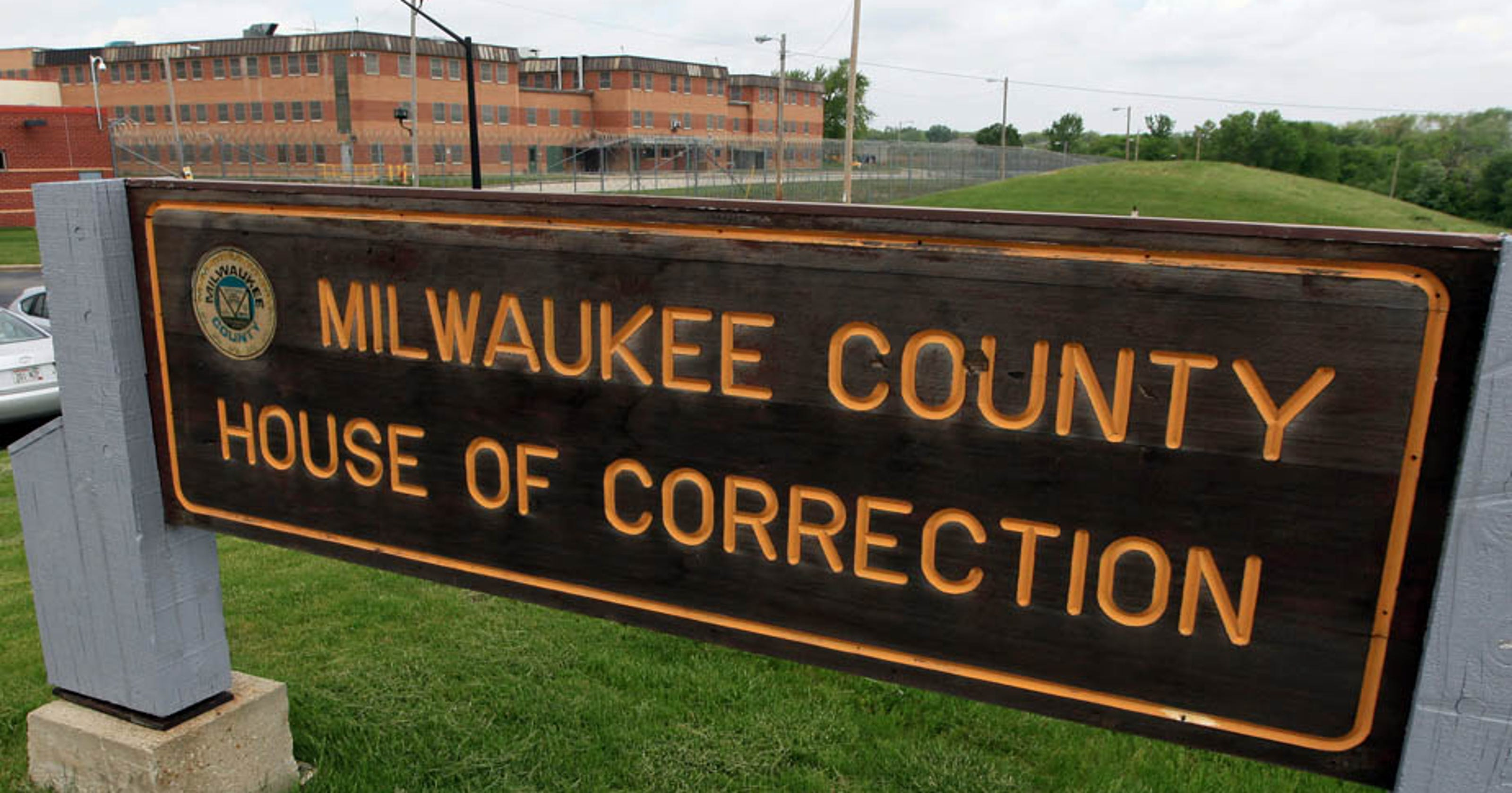 Inmate dies at Milwaukee County House of Correction