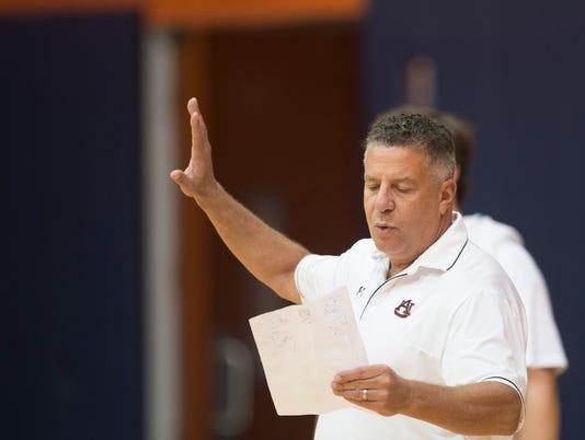 Auburn Practice Bruce Pearl