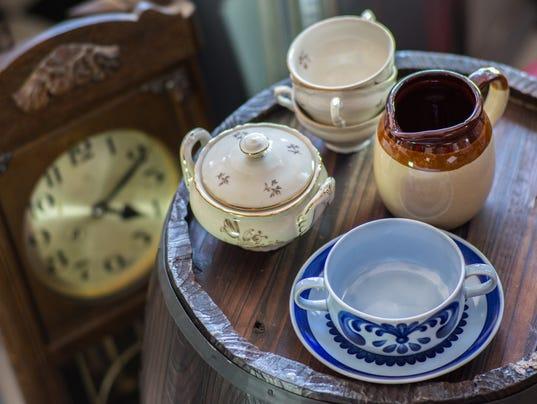 Antiques_Cups