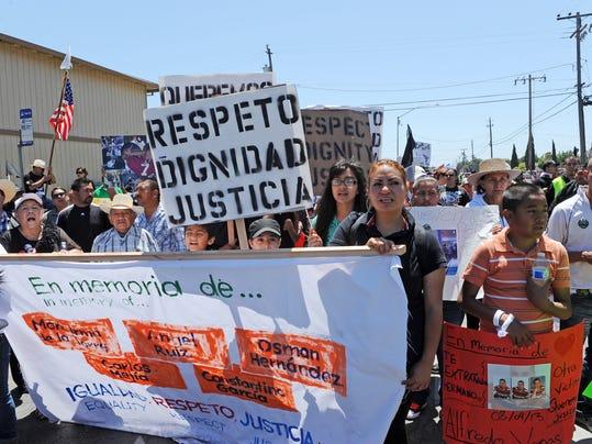 -SNABrd_05-26-2014_Californian_1_A001~~2014~05~25~IMG_-140525_jd_protestma_1.jpg