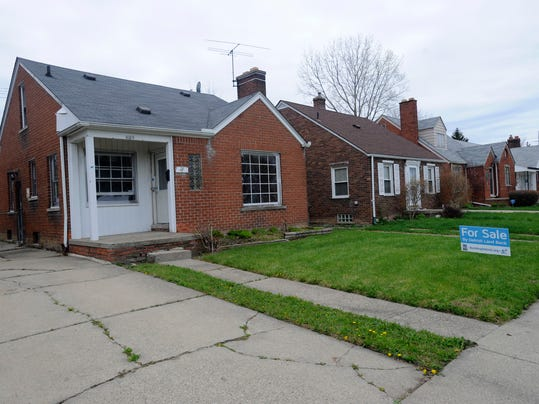 Buyer beware of detroit s 500 foreclosed properties for Build a house for under 5000 dollars