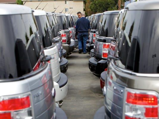 AP LA CAR DEALERS A F, ADV USA CA