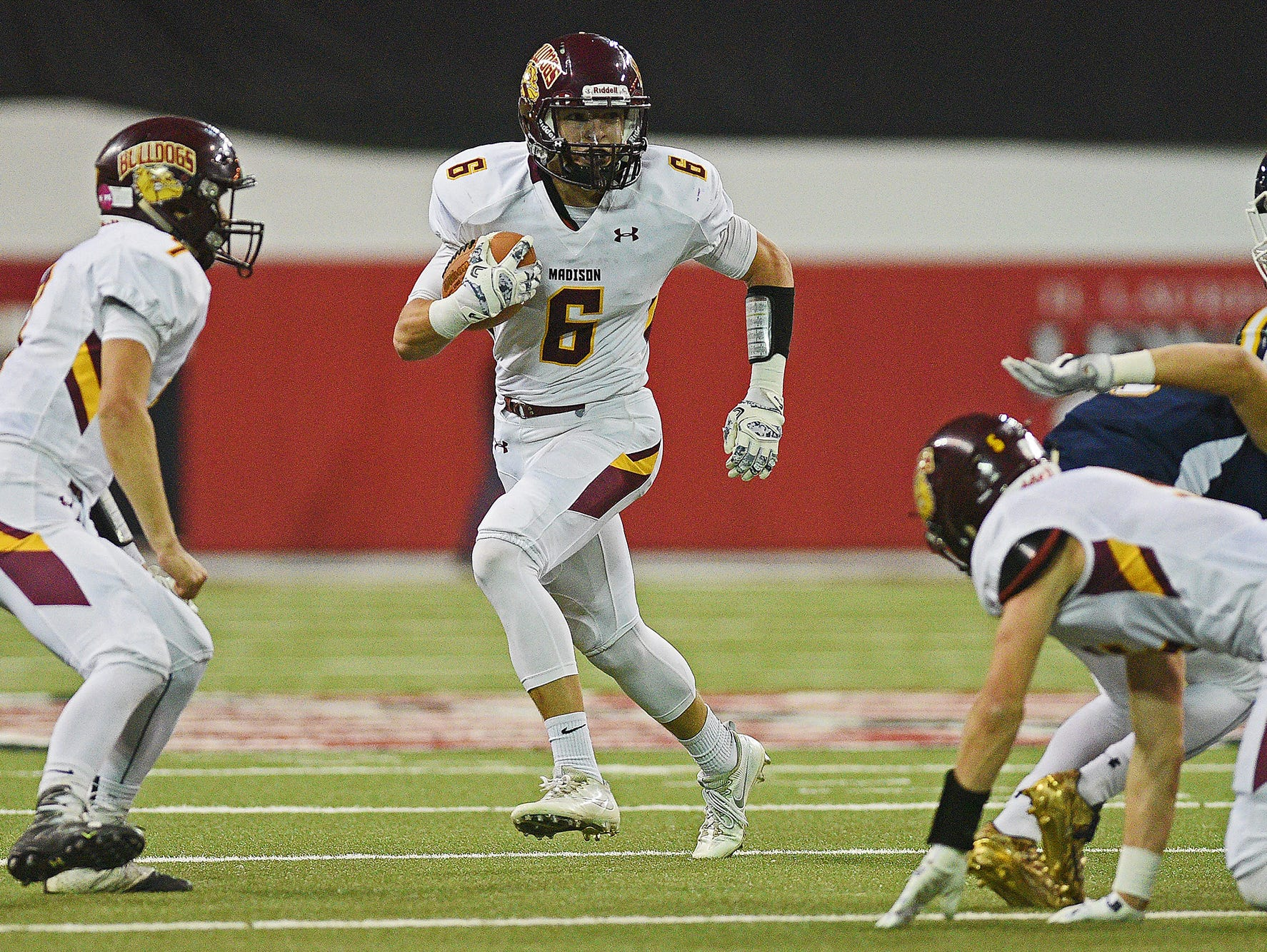 Madison's Jaxon Janke (6) carries the ball in for a touchdown during the 2016 South Dakota State Class 11A Football Championship game against Tea Area Saturday, Nov. 12, 2016, at the DakotaDome on the University of South Dakota campus in Vermillion, S.D.
