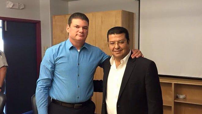Juárez Mayor-elect Armando Cabada, right, poses with El Paso County Sheriff Richard Wiles.