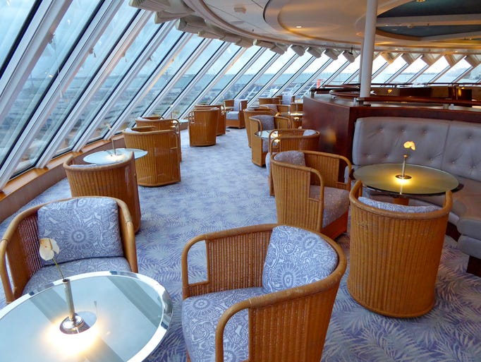 CRYSTAL CRUISES, cie de Luxe de Genting HK 635895939364217669-020-crystalserenitysunsetbar