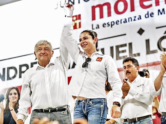 Andrés Manuel López Obrador junto a Ana Guevara.