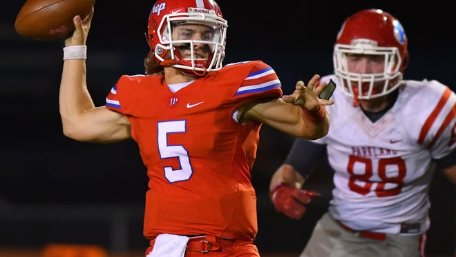 Gulf Coast quarterback Chance Lovertich, a former Jackson Prep star,  completed 25-of-28 attempts for 385 yards passing and six TDs in a 56-7 win over Southwest Mississippi Thursday night. Photo by Bob Smith for The Clarion Ledger