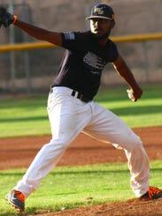 White Sands starter Darrell Render Jr. strides toward