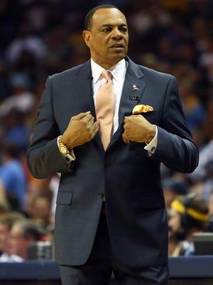 Lionel Hollins coached the Grizzlies until last offseason.