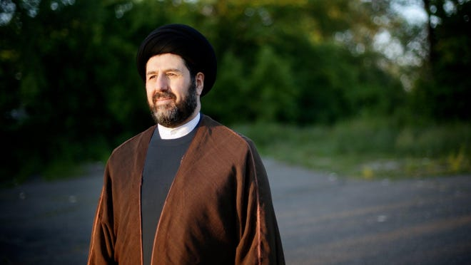 """Imam Hassan Al-Qazwini dreams of opening a center for """"all Muslims, Sunni and Shia ... and all Muslims as far as their ethnicities and races."""""""