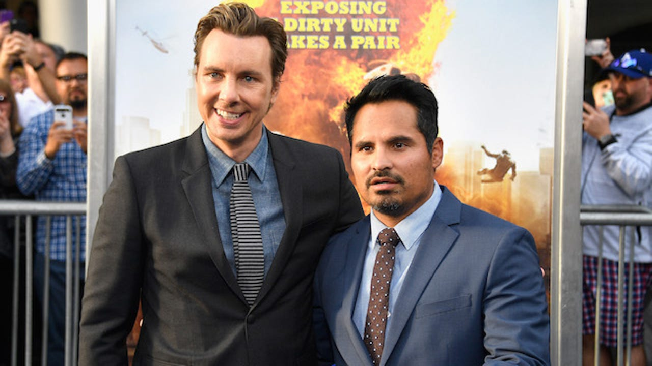 Actors Dax Shepard and Michael Pena make their picks for March Madness.