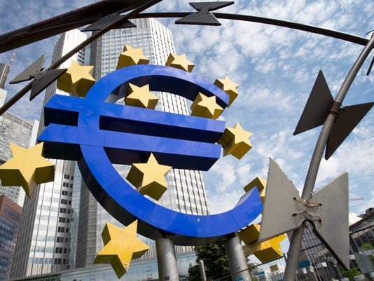 EPA FILE GERMANY ECONOMY EUROPEAN CENTRAL BANK RATES EBF FINANCIAL & BUSINESS SERVICES DEU HE