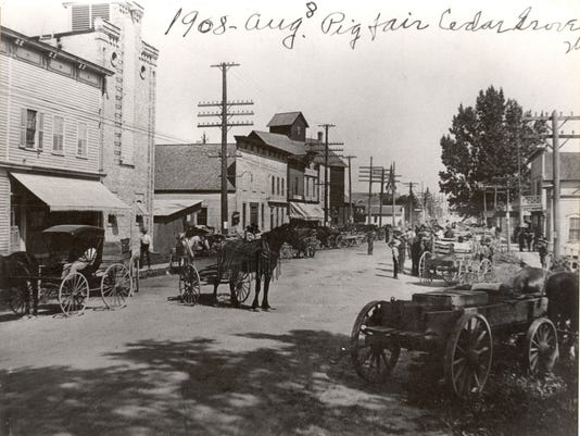 Cedar-Grove-1908-Pig-Fair-1-.jpg