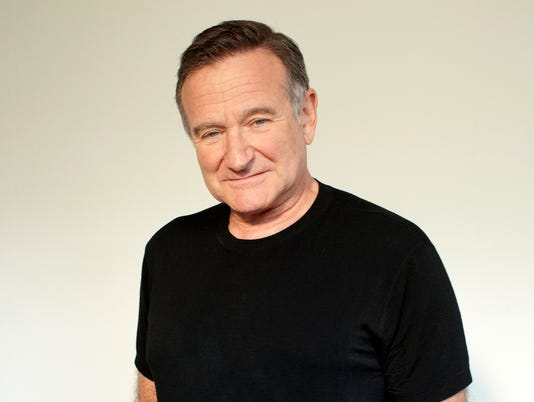 AP BOOKS-ROBIN WILLIAMS PHOTOGRAPHER A FILE ENT USA CA
