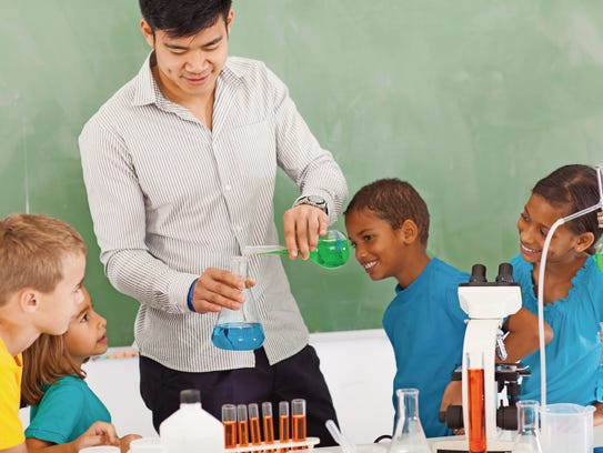 Some experts say a shortage of male teachers in U.S.