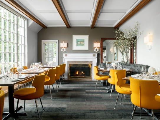 The interior of Restaurant Serenade.