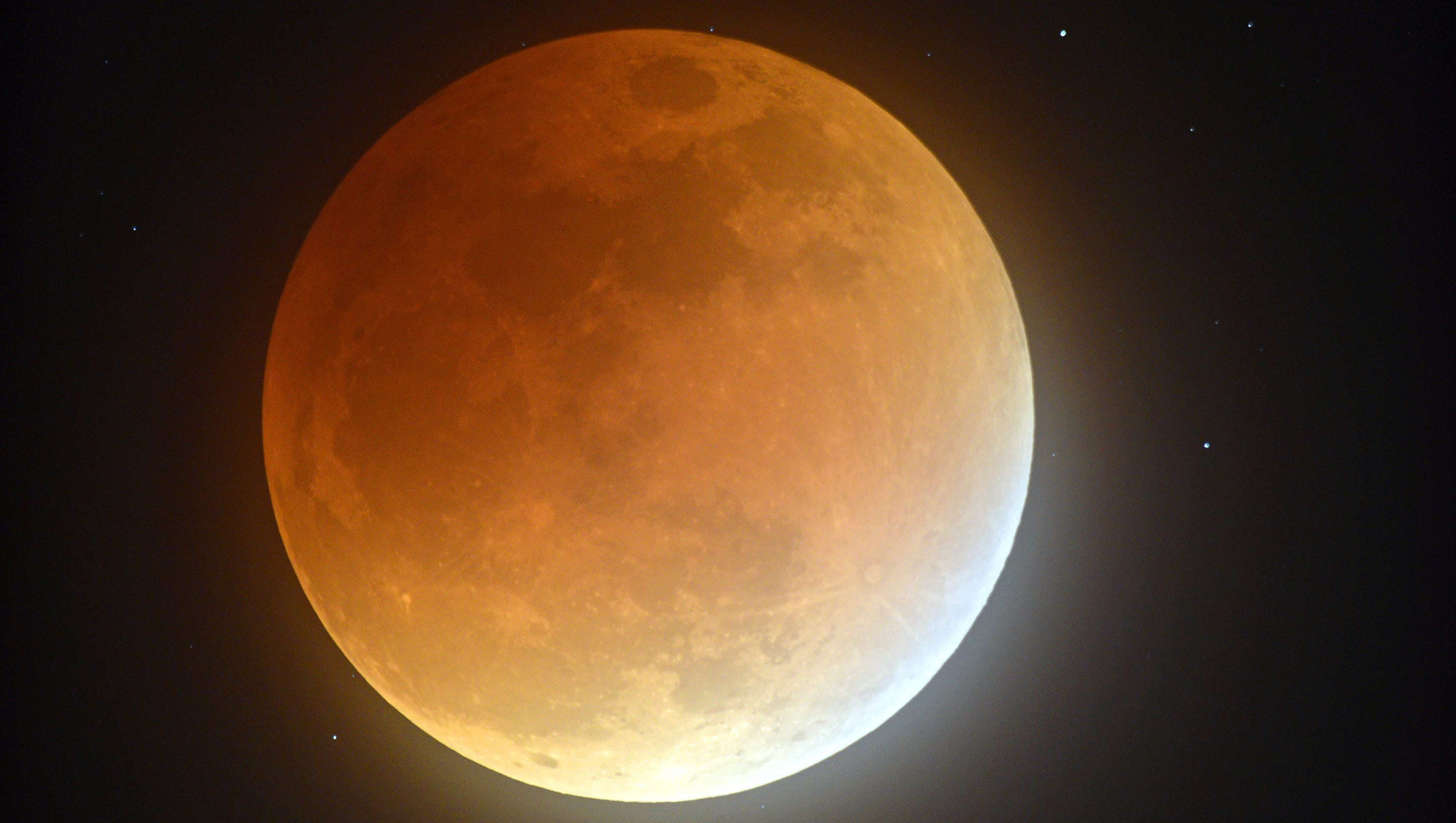 Triple treat: Supermoon, blue moon and lunar eclipse all coming to a sky near you next week