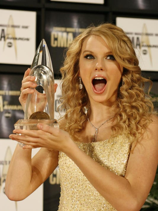 XXX CMA AWARDS TAYLOR SWIFT 15.JPG A ENT USA TN