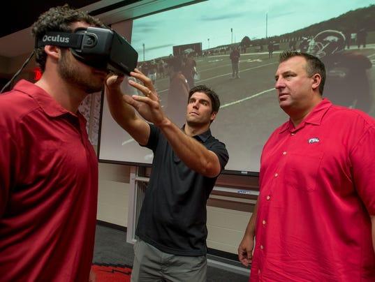 הטור המדעי:  STRIVR-Sports Training in Virtual Reality / מנחם לס
