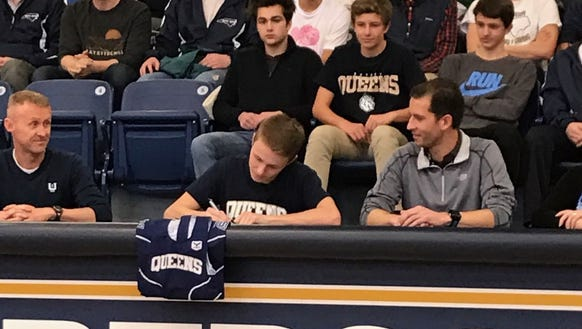 Roberson senior Oliver Porter has signed to compete