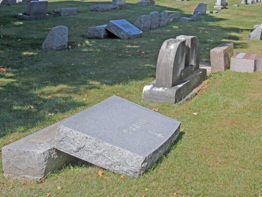 635809455519584634-ELM-092215-cemetery02-rf