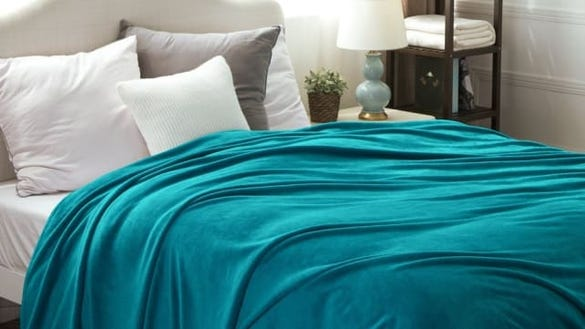 Bedsure Flannel Fleece Luxury Blanket